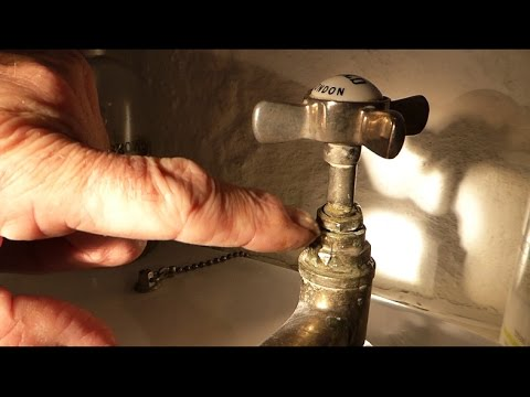 How To Repair A Leak On Old Fashion Style Taps Youtube