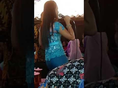 GOYANG HOOT Campur sari hotttt mirip artis