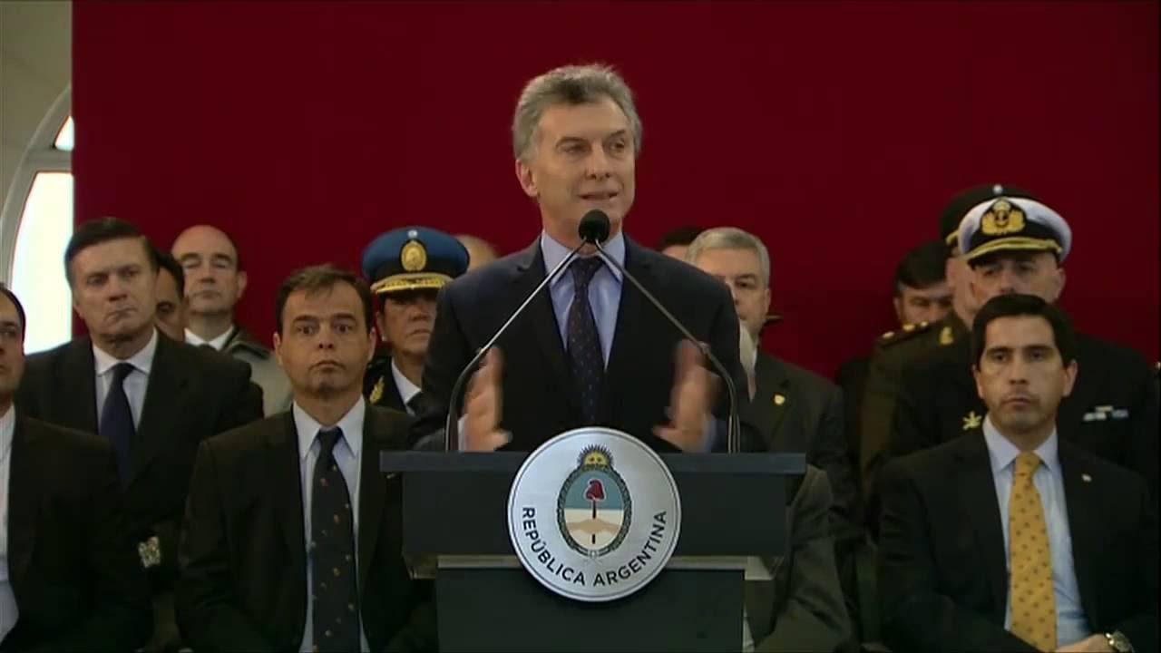 Resultado de imagen para Macri, día del Ejercito