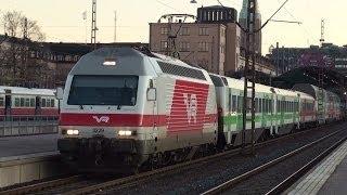 2011-10-31 [VR] Sr2 3229 + Passenger cars, IC 77