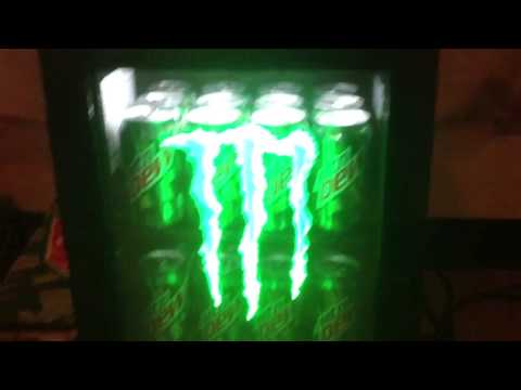Mini Kühlschrank Monster Energy : Monster mini fridge youtube
