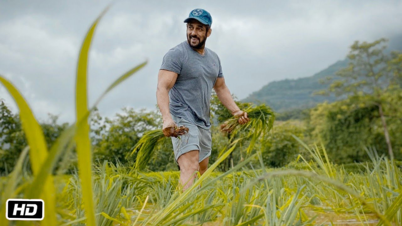 Salman Khan Enjoys to Farming in Rainy Season at His Farm | Jai Jawan Jai Kisan