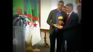 Chita D'or est le Ballon D'Or el-heddaf 2013  (slimani)(, 2013-12-23T23:26:49.000Z)