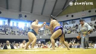 大相撲秋田場所が10日、秋田市の県立体育館で開かれた。横綱白鵬関を...