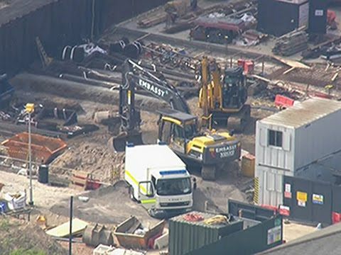 Raw: Unexploded WW2 Bomb Found in London