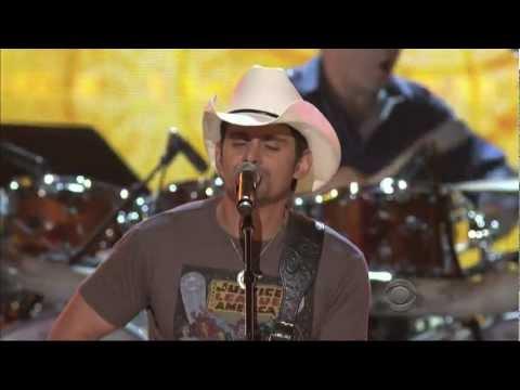 brad-paisley-singing-my-next-broken-heart-(hd)---brooks-and-dunn-acm-last-rodeo
