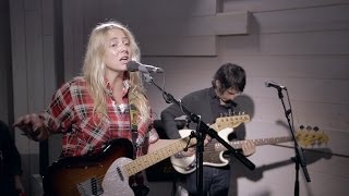 Lissie - Further Away (acoustic live at Radio Nova)