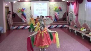 Цветные сны танец с шарфами