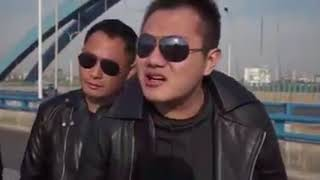 Rugged Smartphone Funny Ad (Chinese with English Subtitles)