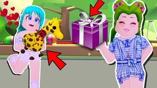 🦒 I GIVE A SURPRISE TO MY HERMANA (THE JIRAFA)🦒 IN ADOPT ME - ROBLOX