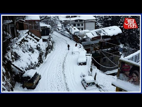 Heavy Snowfall Leaves Many Tourists Stranded In Himachal's Kulu; 5 Rescued thumbnail
