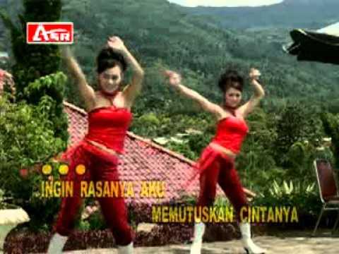 RITA SUGIARTO - MAKAN DARAH Karaoke (streo)