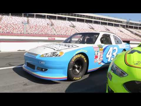 Pat Angeli teste le Charlotte Motor Speedway - NASCAR
