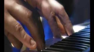 Play Landungsbrücken raus (Live)