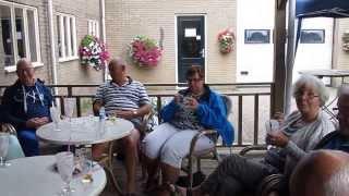 Gasten Camping Rotandorp gezellig aan de Barbecue Noordwolde fr.