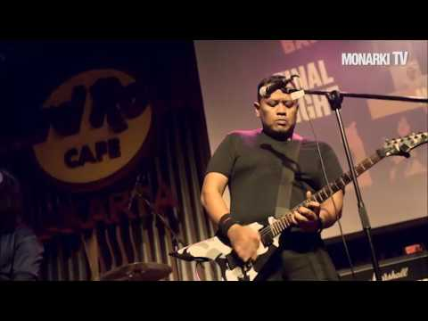 MONARKI - TURN MY DAY OFF (Live at Hard Rock Rising Final 2017)