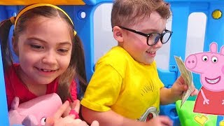 Peppa Pig Stories for Children Pretend Play Shopping, Cafe and More!