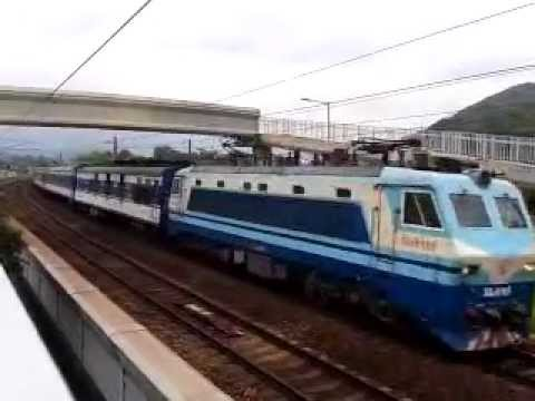 {ICTT} SS8 0186 haul T810 through train pass Kau Lung Hang