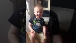 Мальчик плачет от песни про собаку