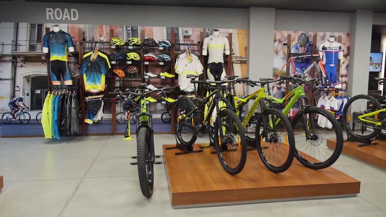 2f0974db4 Na sezónu sa môžete pripraviť aj v novej špičkovej predajni Specialized +  foto a video - Cycling-Info.sk