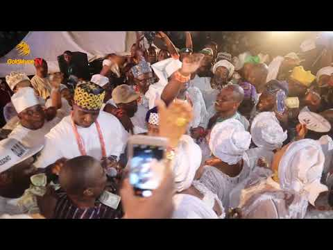 K1 DE ULTIMATE SHOWERS PRAISES ON OONI OF IFE WHILE PERFORMING AT OLOJO FESTIVAL