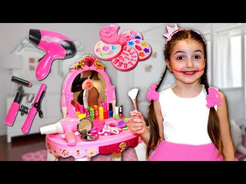 Masha and Vania Play with Makeup Play Table Toy