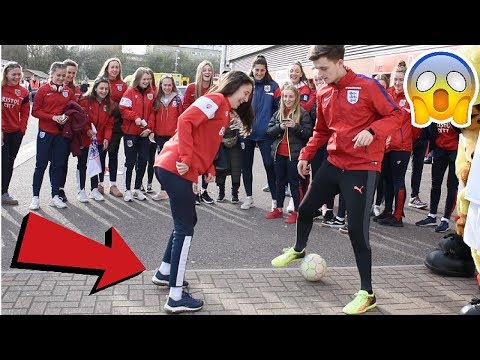 CAN I NUTMEG THE ENGLAND WOMENS FOOTBALL TEAM !? (CRAZY REACTIONS)