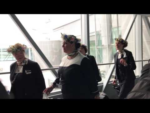 Helsinki airport - singing Finnair air crew!