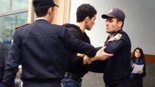Polis Vetendas Arasinda Gerginlik Metro Cixisi