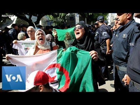Police and Protesters Clash in Algeria