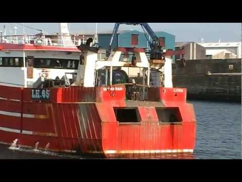 Shemarah II - LH65 Enters Fraserburgh Harbour