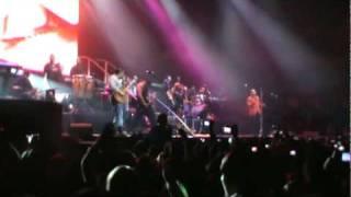 """Amor de Madre"" en vivo en Chile - Grupo Aventura"