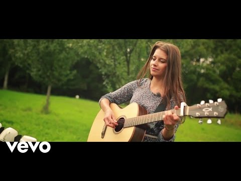 Sima Martausova - Lara