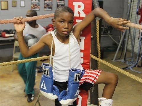 Kid Boxer: Quinten Fast Hands Logan motivational USA boxing kid