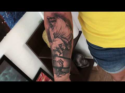 Confrontation - Tattoo time lapse