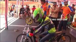 Aksi ganas Galih Dwi 79 HIKMAH MOTO FT WIRADA Time 07 708 Drag Bike Indonesia 2017HD