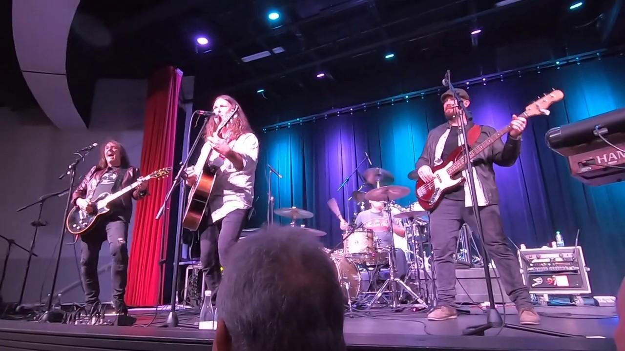 Burnin' Love (Elvis Cover) @ SWFL Event Center 8/24/19 (Fan Shot Video)