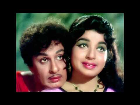 Digital pictures of MGR, Jayalalitha starred Adimaipen movie Gallery