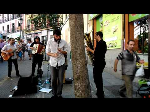 Músicos en el Rastro, Madrid, Jingle Django.