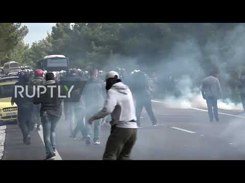 Greece: Protesters clash with police over construction of new Lesbos migrant camp