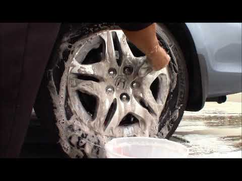 How to clean grease or dirt off your Tire Rim, like Brand new w/ Dawn Soap