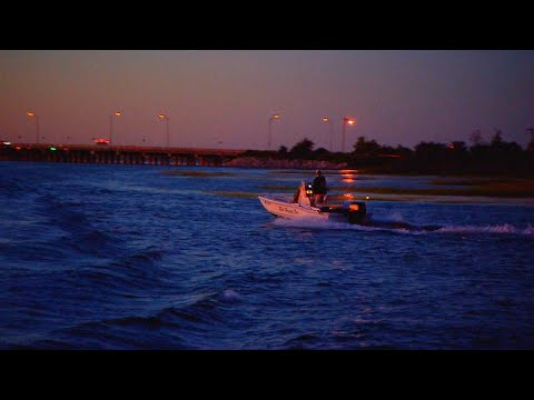 How to Stay Safe While Boating at Night