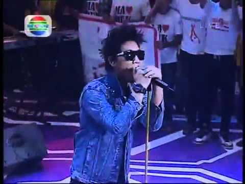 Armada Pemilik Hati - LIVE(the best)  - YouTube.flv