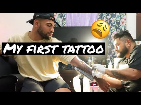 First Tattoo Experience | Sydney Vlog