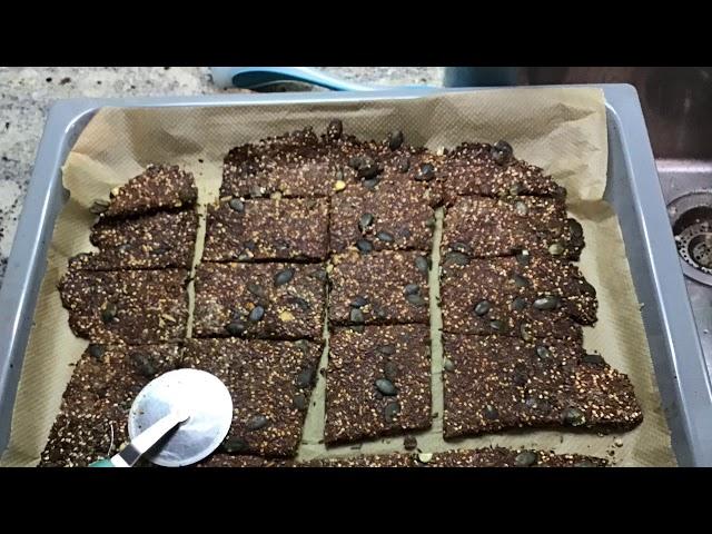 LowCarb Knäcke - Dr. Retzek's LowCarb Foodblog für Dicke, Zuckerkranke und Krebs