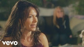 Watch Susanna Hoffs Picture Me video
