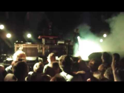 Crystal Castles - insulin & Telepath - Paris Olympia 13/06/2013 live - HD