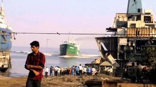 ship beaching 112 (green iceland).mp4