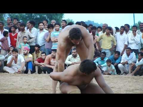 Wrestling match.MP4