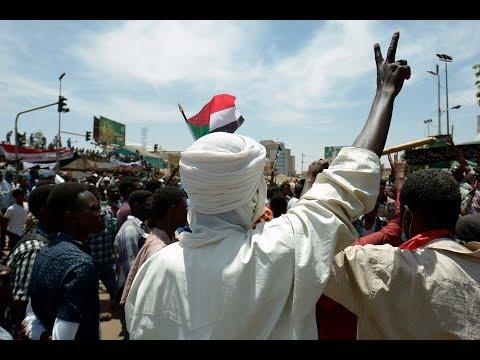 الجيش السوداني يطالب المتظاهرين بفض الاعتصام  - 18:55-2019 / 4 / 15